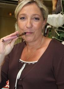 Marine_Le_Pen_loeil_du_bat
